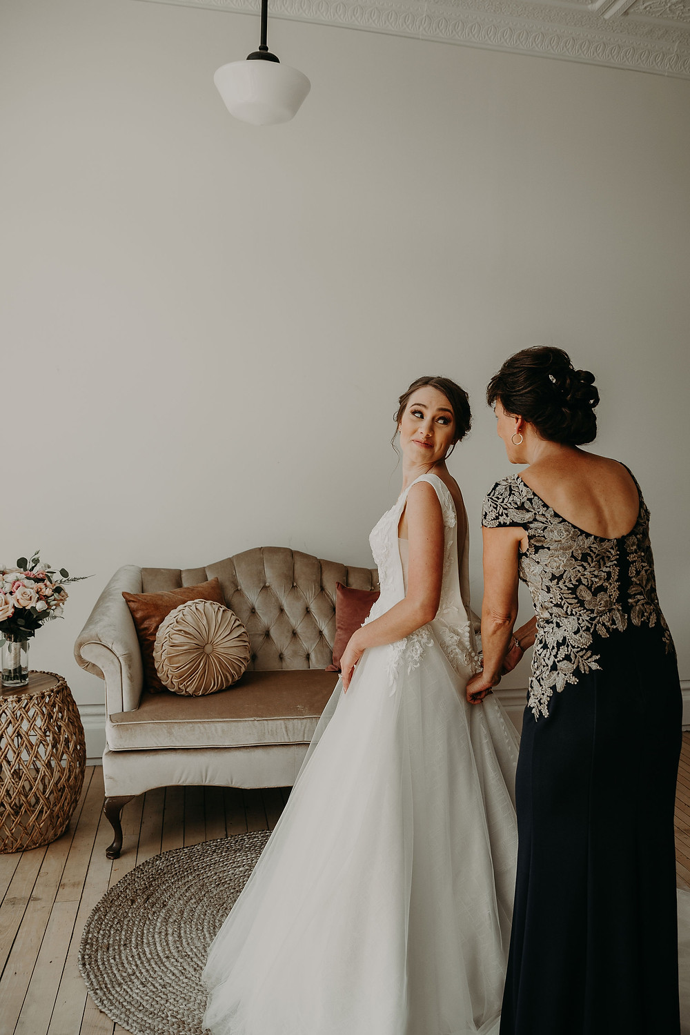 Bride getting ready: Summer Small Wedding at The Lincoln Loft