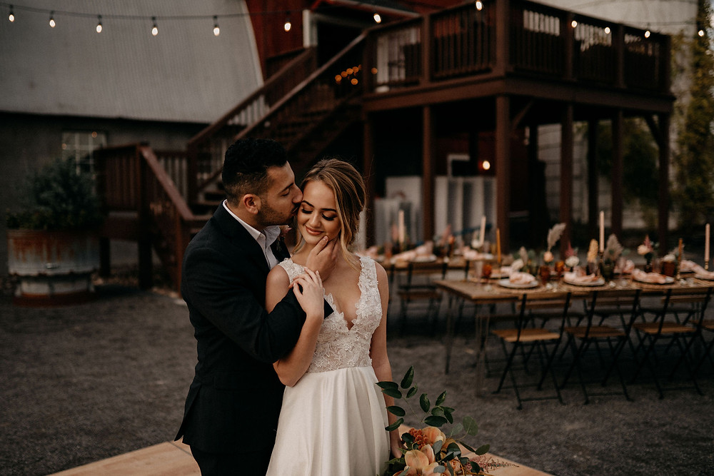 Warm & Rustic Styled Shoot at Hayloft in the Arch captured by Tracy Jade Photography featured on Pretty Little Vintage Co.
