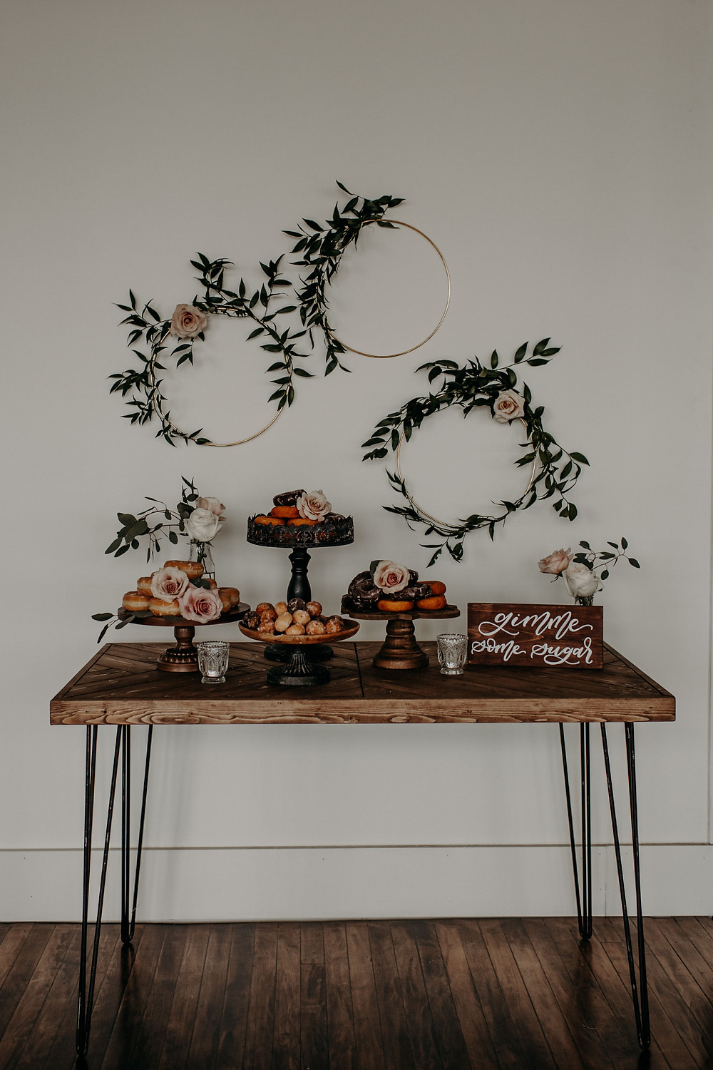Hairpin farm table donut display: Earthy & Modern Bridal Shower Inspiration by Pretty Little Vintage Co. featured on The Lincoln Loft & Studio blog