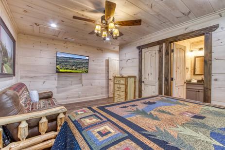 Main bedroom 3.jpg