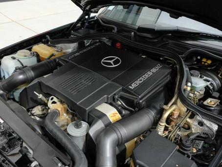 Στο σφυρί Mercedes 500E