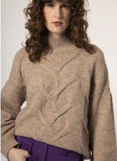 Naiana Sweater