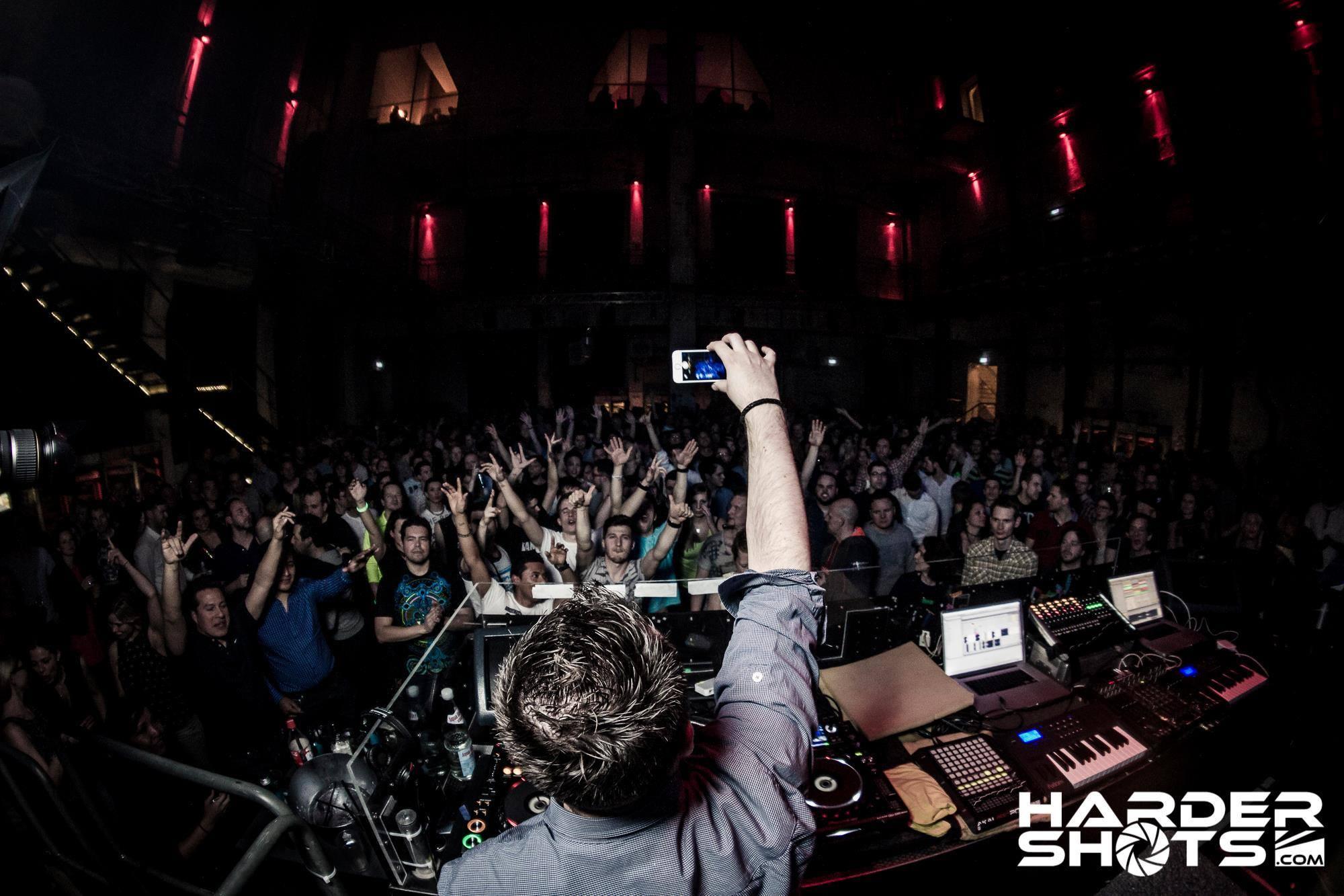 Marc van Gale DJ Booking (LANDED)