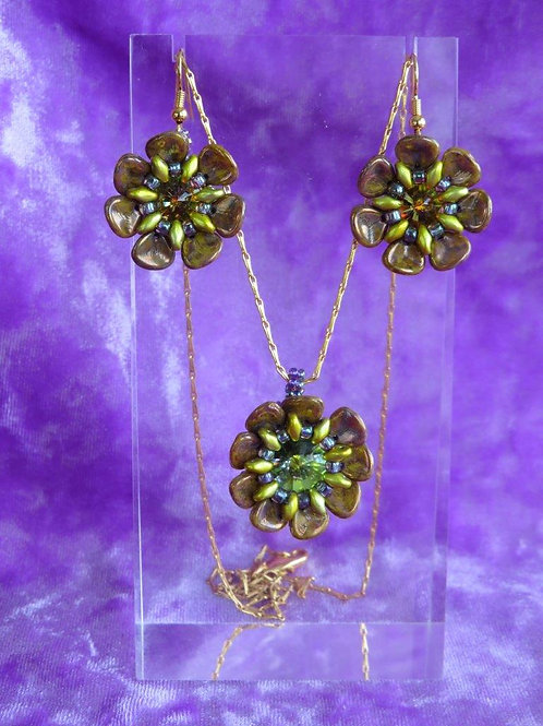 Marbled Terrazzo colored Wild Rose Pendant with Earrings