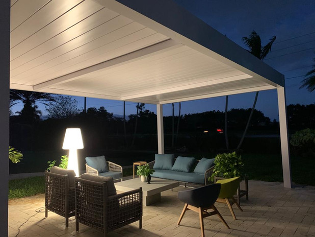 Night time, R-Blade pergola with closed Louvers