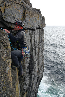 Trad climbing, Ailladie, Co. Clare