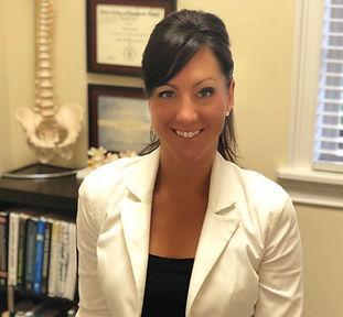 Sports Injury Chiropractor: Dr. Jennette Auchter
