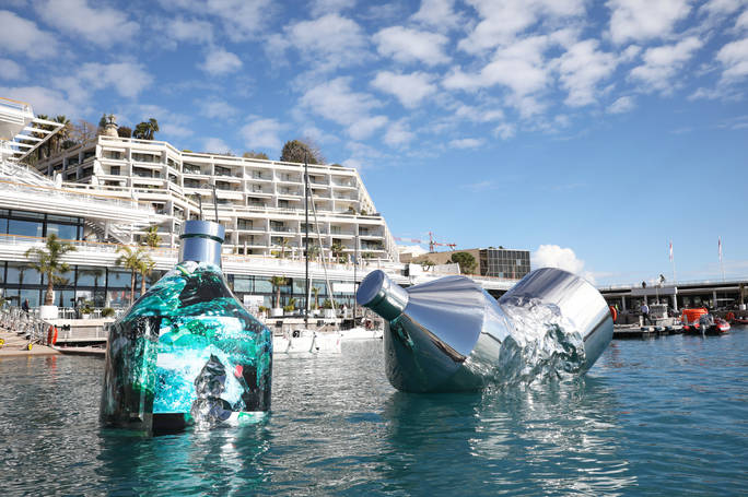 Twin Bottles:Yacht Club de Monaco Marina, Principato di Monaco