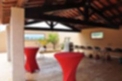 Mas Rières, grande salle de réception pour les cocktails en terrasse extérieure