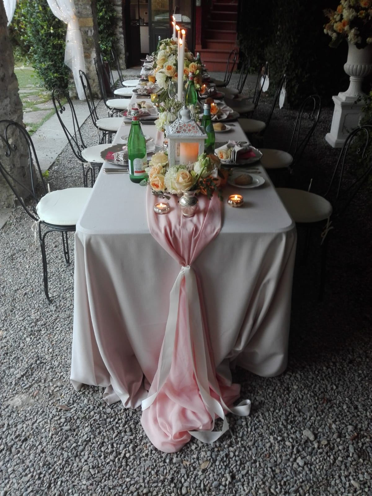lake como wedding table