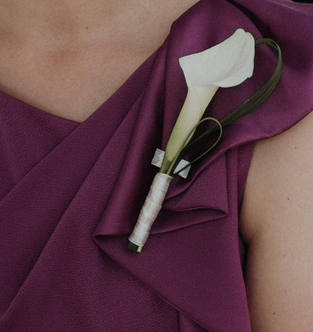 Female buttonhole