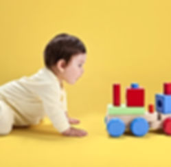 Physiotherapy for babies - crawling
