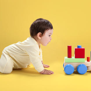 Today.com - When do babies crawl? Pediatricians answer all your baby crawling questions
