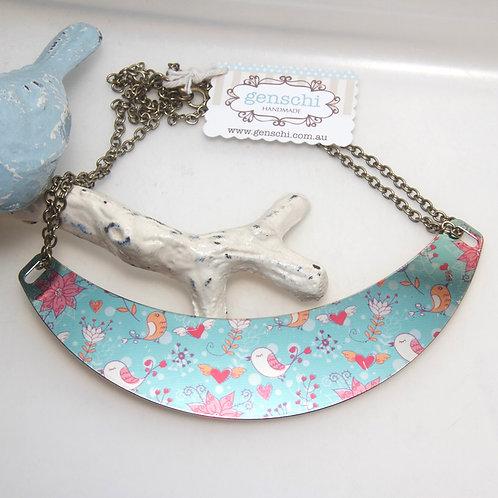 Metallic Birdie Collar Necklace