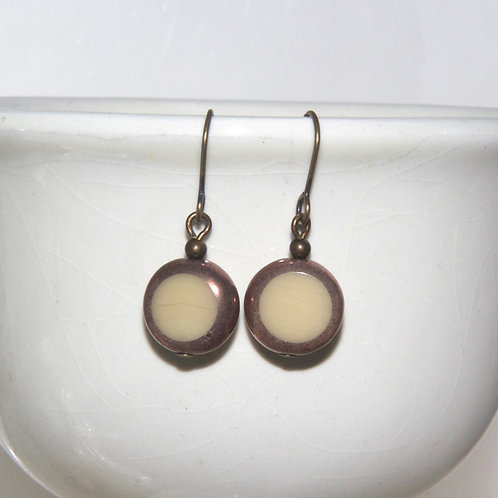 Creamy Nougat Spot Earrings