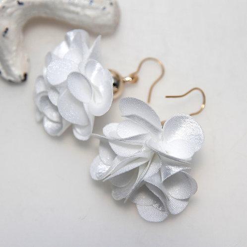 Fluffy White Flower Bomb Earrings
