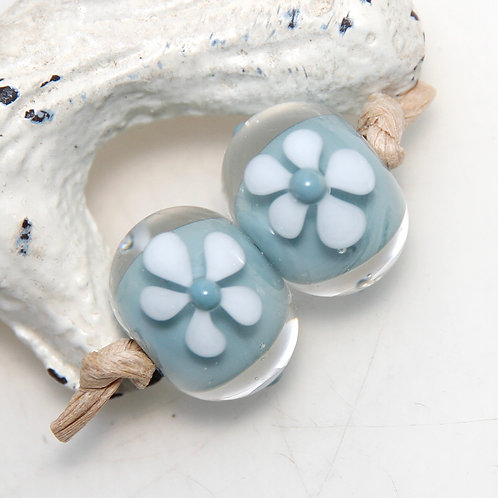 Duck Egg Blue White Daisy Flowers Lampwork Glass Bead Pair