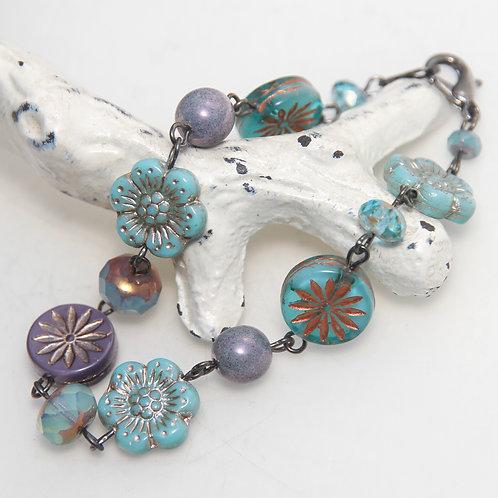 Lilac Sky Daisy Garden Chain Linked Bracelet