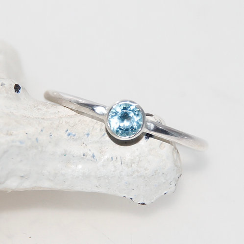 Sterling Silver Ring with Sky Blue Topaz Stone Size N US7