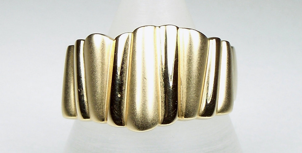 98013  2 Tone Gold Band Ring