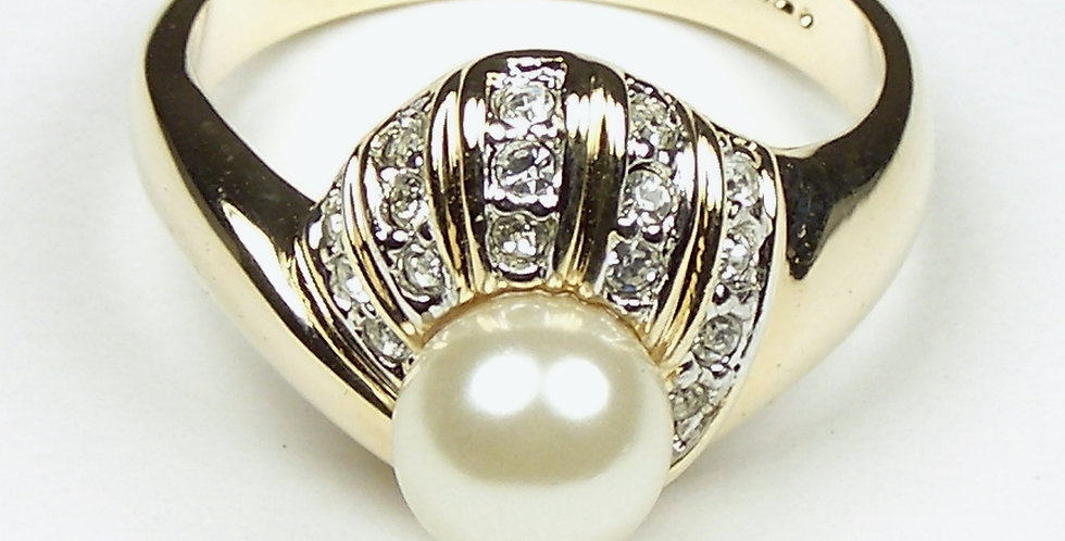106 Gold Single Pearl Ring
