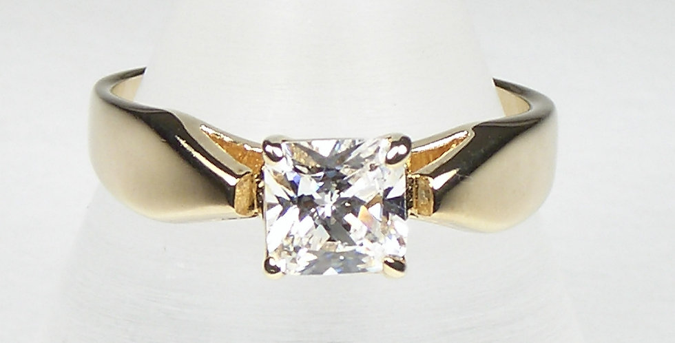 3901 Gold Square Zircon Ring