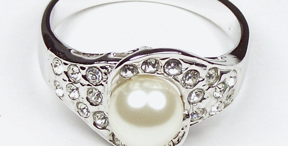 105 Silver Pearl Ring