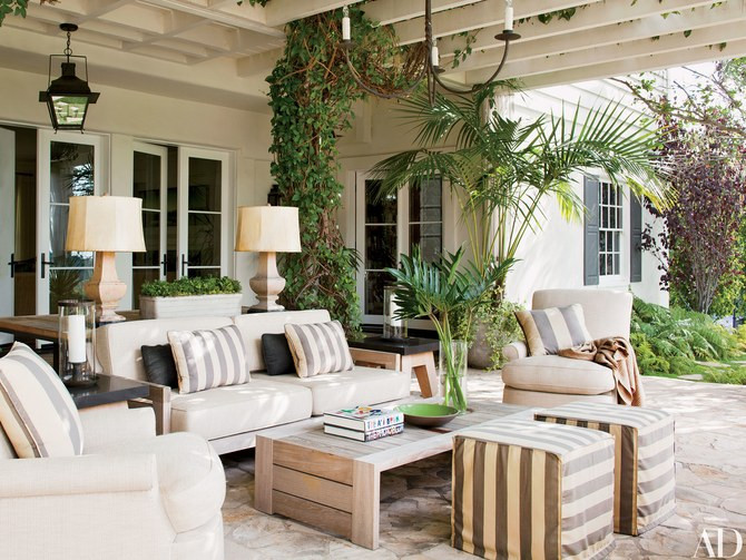 Outdoor Seating at Hank Azaria's Home