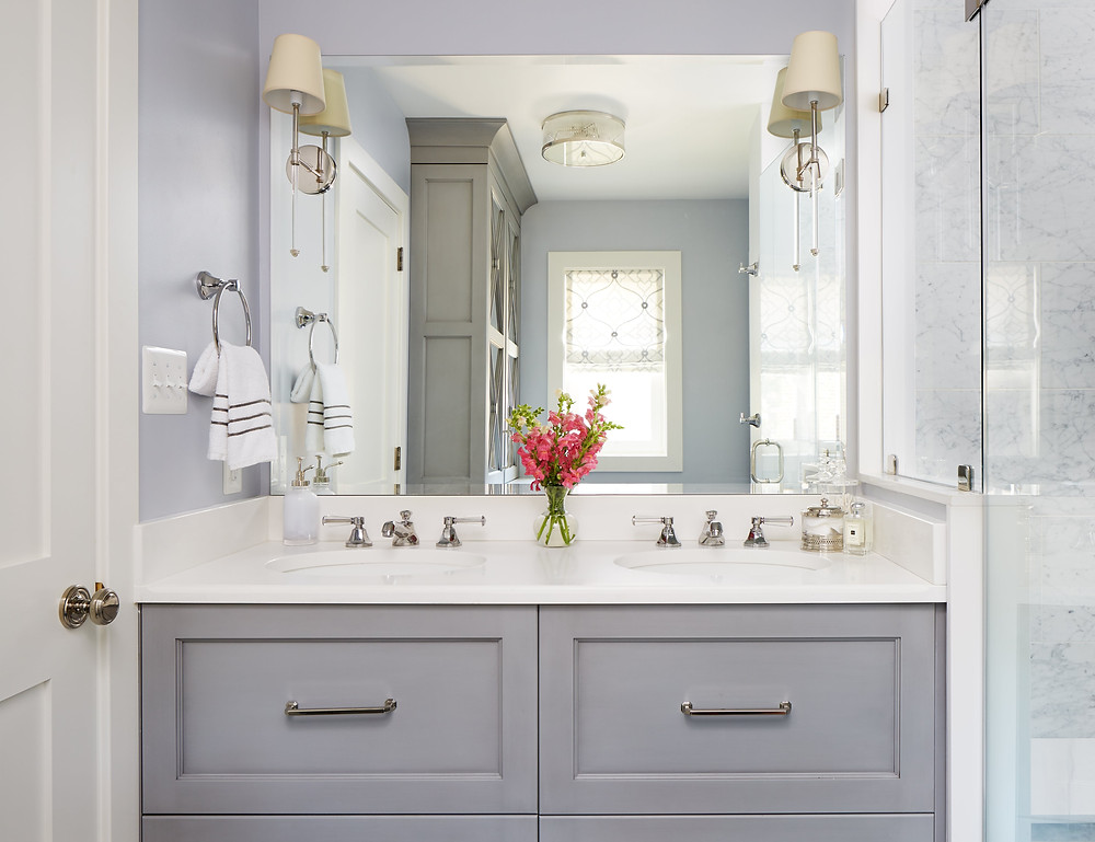 Relaxing Chic Bathroom Vanity