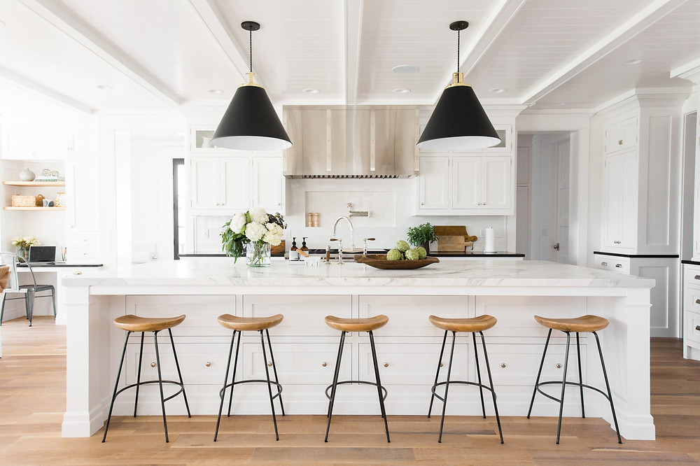 Modern Farmhouse Kitchen by Studio McGee