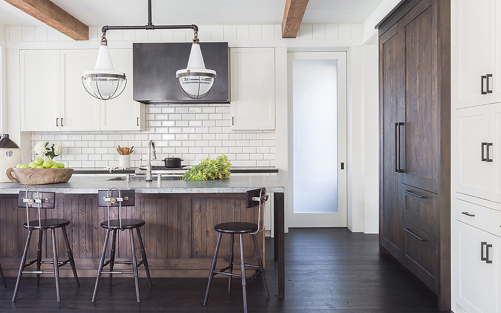 Modern Farmhouse Kitchen by Jennifer Robin Interiors (Photo by Alyssa Rosenheck Photography)