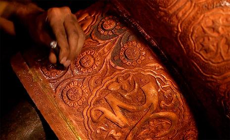 Metal-Crafts-of-India-Naqashi-art-kashmi