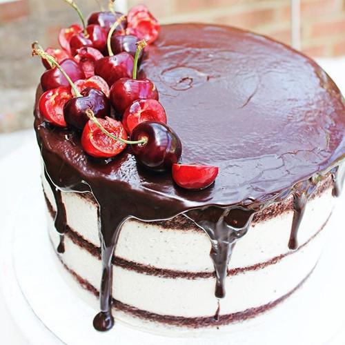 Cherry season is upon us! 🍒 This Black