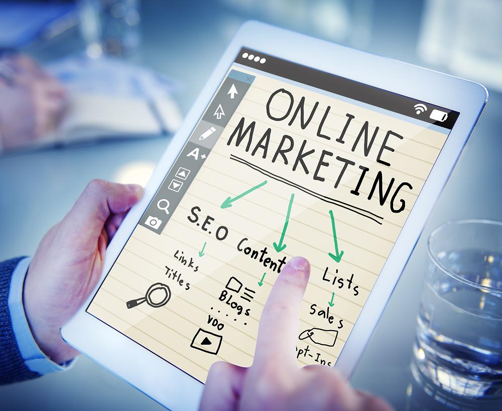 online marketing envolve conteúdos, campanhas e SEO