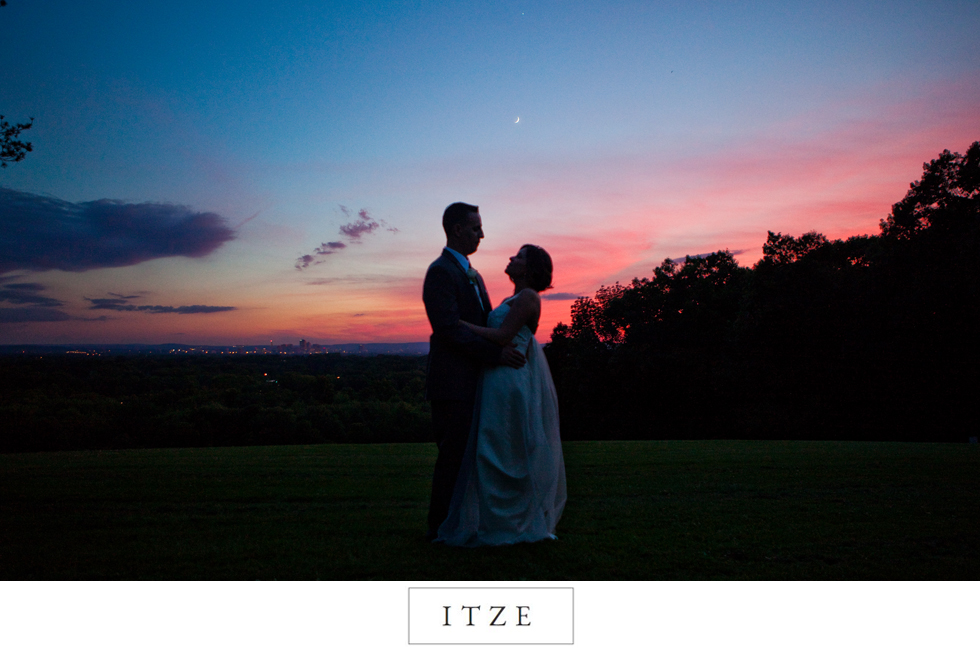CT wedding photo Wickham park on hill over looking Hartford with sunset