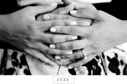 CT engagement photo hand holding