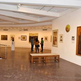 How to Start an Art Gallery ?