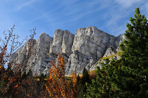 mountain-5995842_1920.jpg