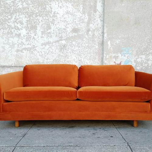 staticwixstaticcommedia2a024c_5d01fb5b315649d4 - Vintage Sofa