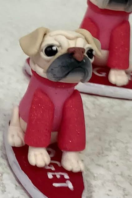 Surf Gidget The Pug Mini Me Figure