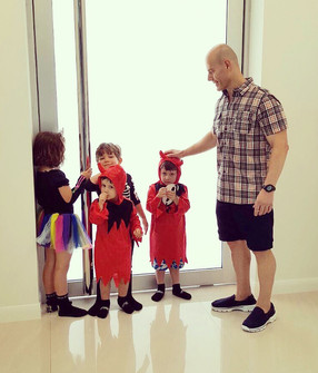 Dr Ces Colagrande - fancy dress kids