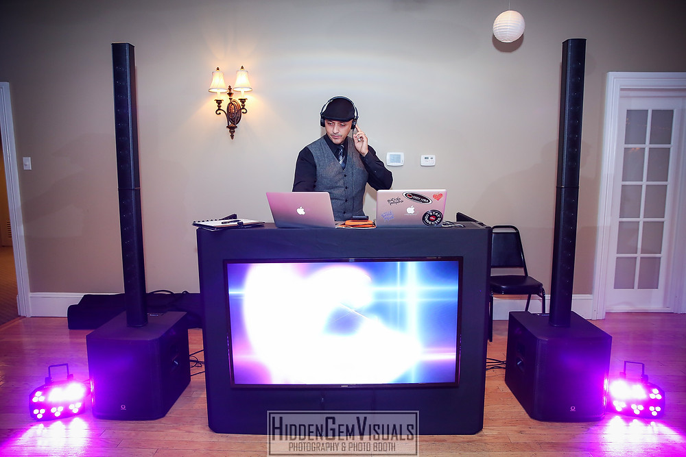 DJ Maxx Saint is the best Wedding DJ in New Jersey and New York.