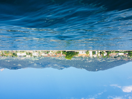 Another perspective to Lac Leman! From Switzerlands' own titanic to a eurobus taking a swim...