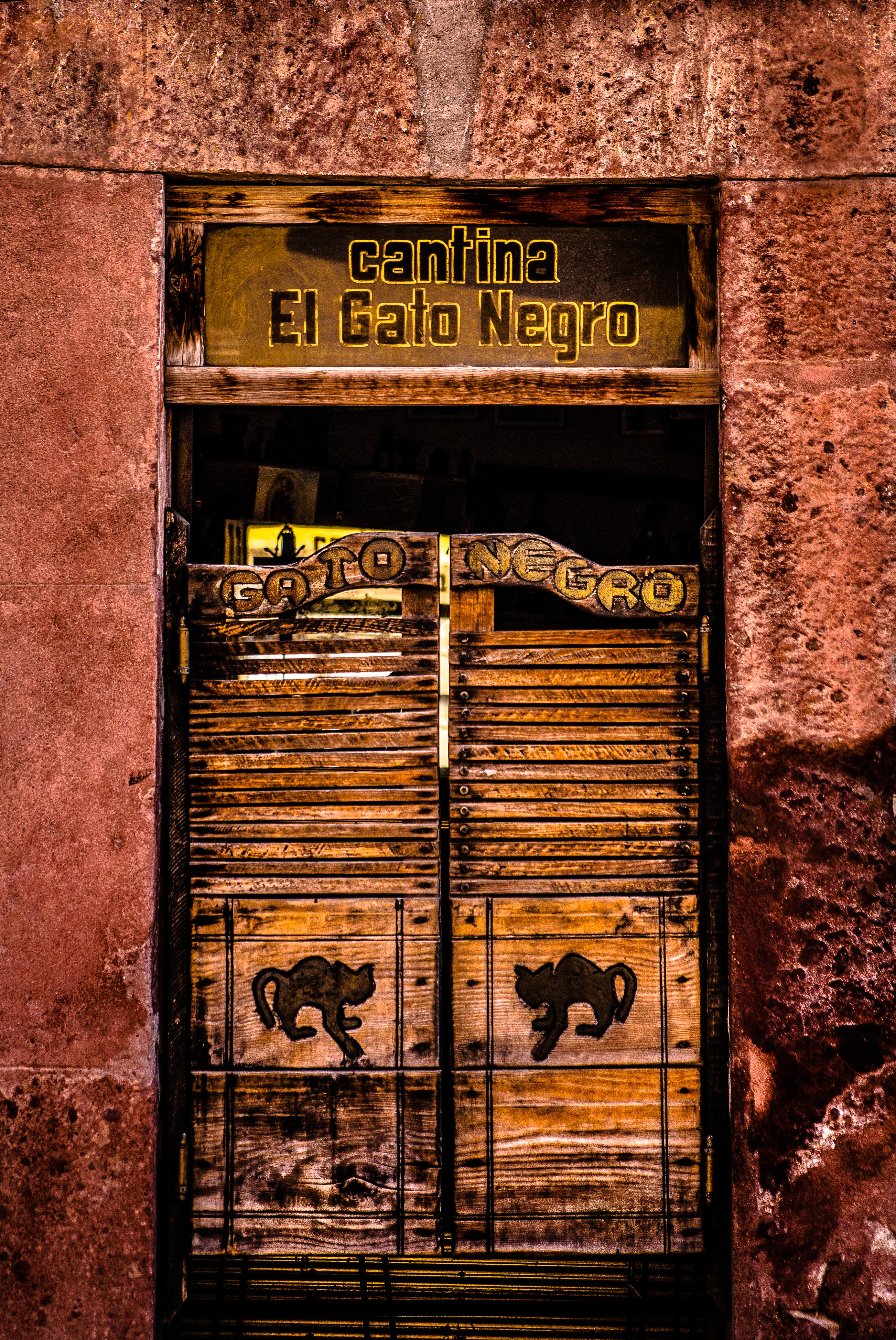 Cantina El Gato Negro