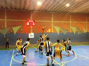 Início do jogo entre AEGB SESI e Goiânia, sub-15 anos_foto_arquivo AEGB-Cláudio Marques.jpg