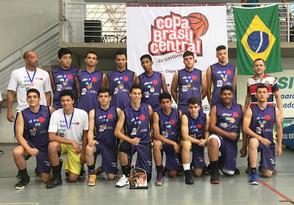 AEGB Sesi Clube-Teuto_3º colocado SUB-17 ANOS da Copa Brasil Central de Basquetebol_foto_ArquivoAEGB - Cópia.jpg