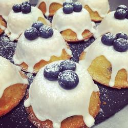 Lemon & blueberry cakes