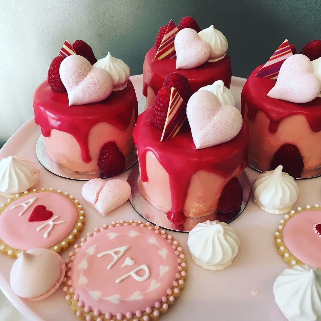 raspberry & rose cakes