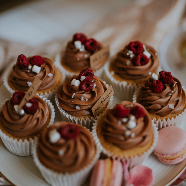 cupcakes2-800x1200px.png
