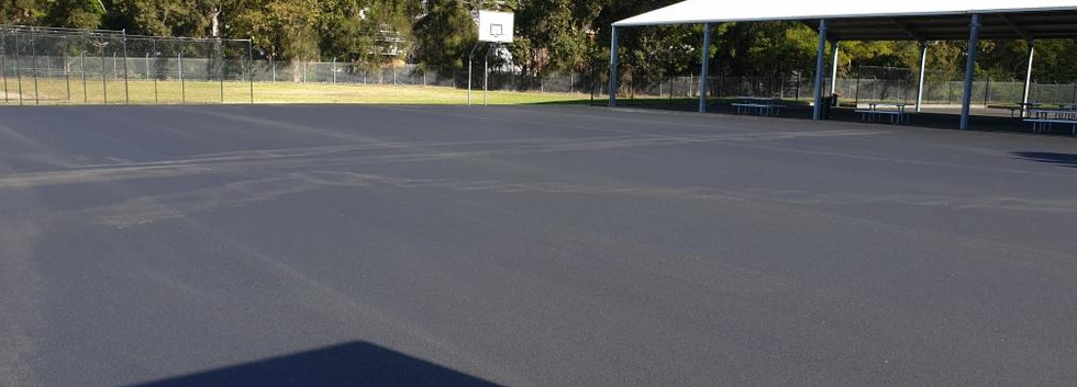 Asphalt and bitument laying and installa